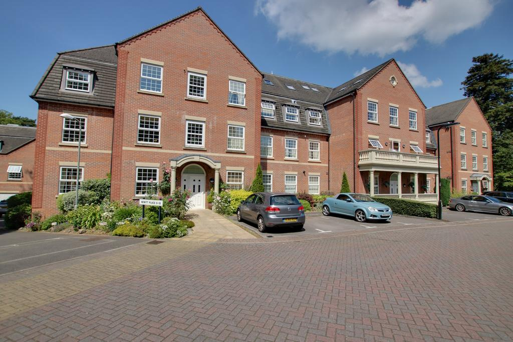 2 Bedrooms Flat for sale in Newitt Place, Southampton