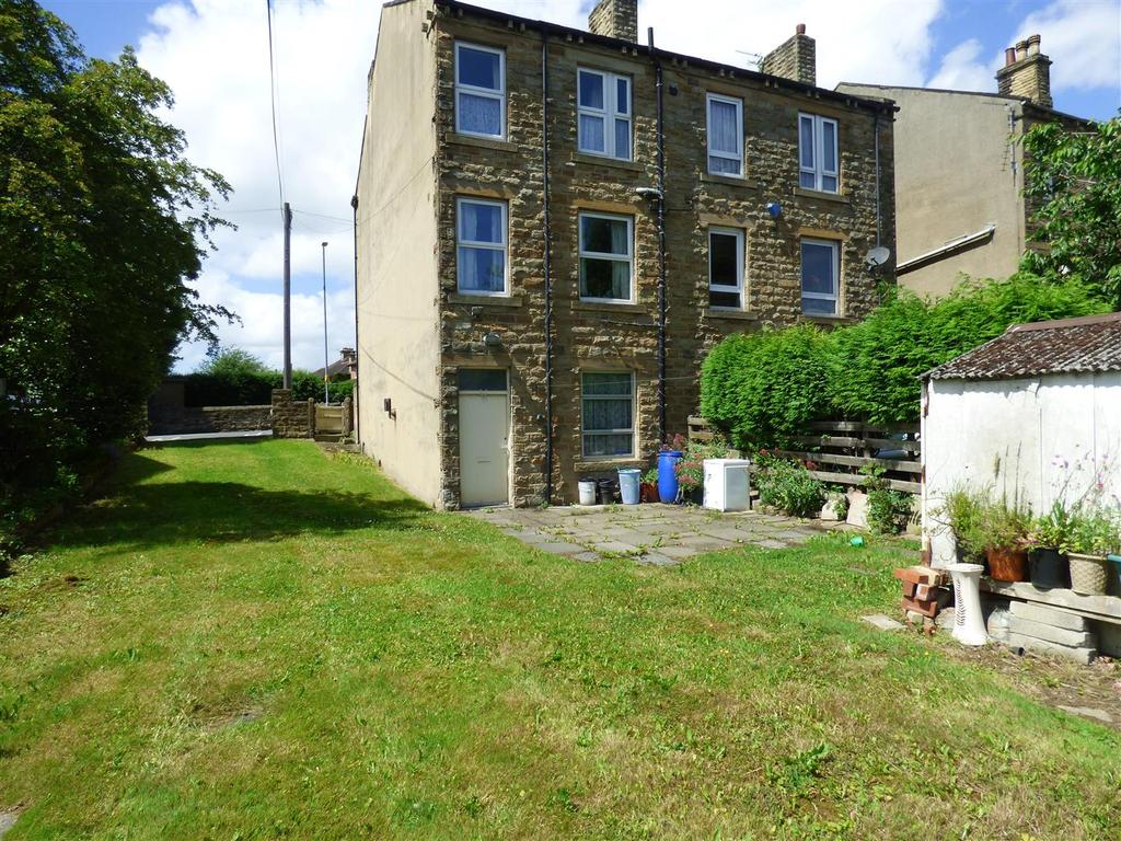 2 Bedrooms Terraced House for sale in Bradford Road, Birkenshaw, Bradford