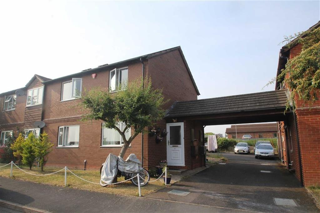 2 Bedrooms Flat for sale in Falcons Way, Copthorne, Shrewsbury