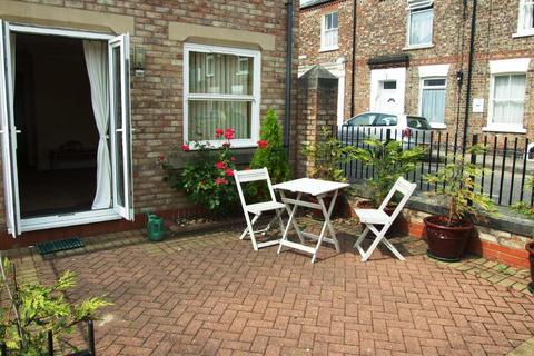 2 bedroom flat to rent - Kyme Street, York