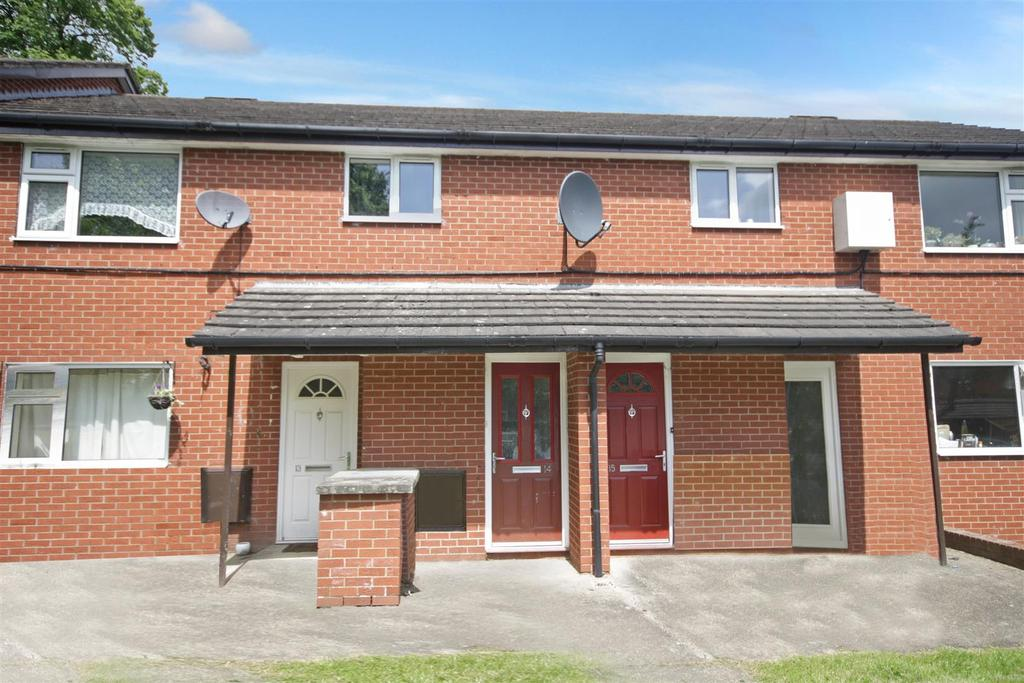 2 Bedrooms Flat for sale in Weston Close, Morda, Oswestry