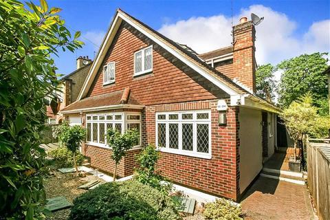 4 bedroom detached house for sale - Oaks Road, Kenley, Surrey