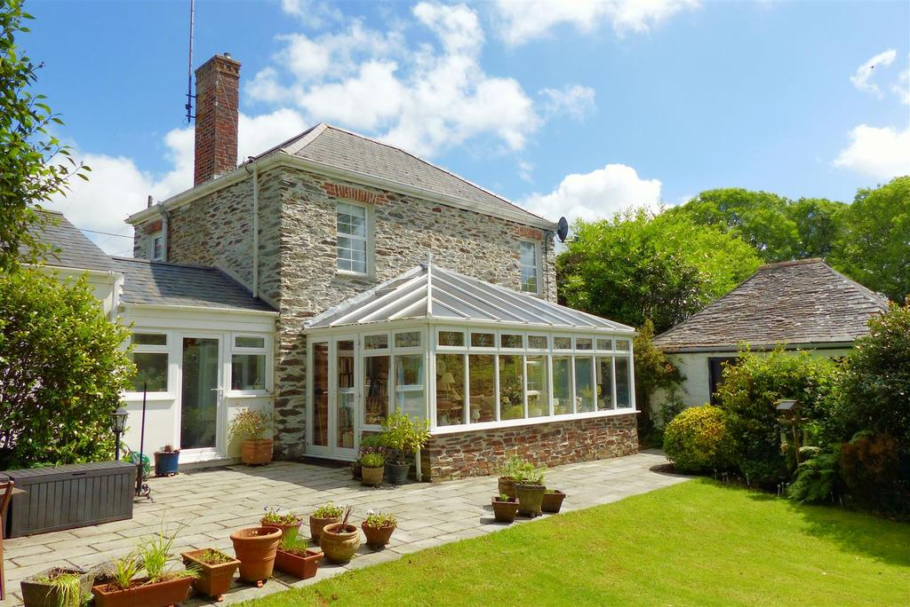 4 Bedrooms Detached House for sale in Old Hill, Grampound