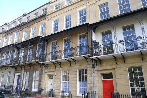 4 bedroom property to rent - Caledonia Place, Clifton