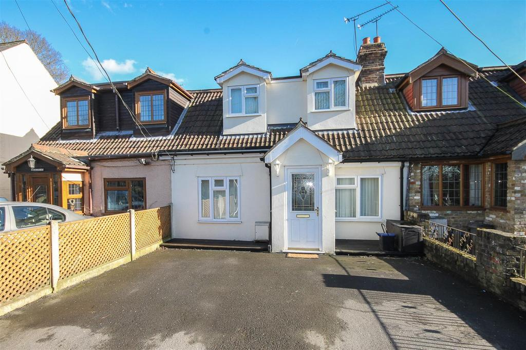 2 Bedrooms Terraced House for sale in Ongar Road, Kelvedon Hatch, Brentwood