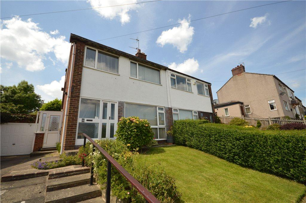 3 Bedrooms Semi Detached House for sale in Silverdale Avenue, Guiseley, Leeds, West Yorkshire