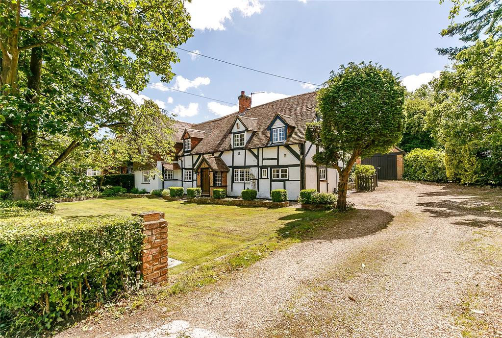 4 Bedrooms Detached House for sale in The Street, Crookham Village, Fleet, Hampshire