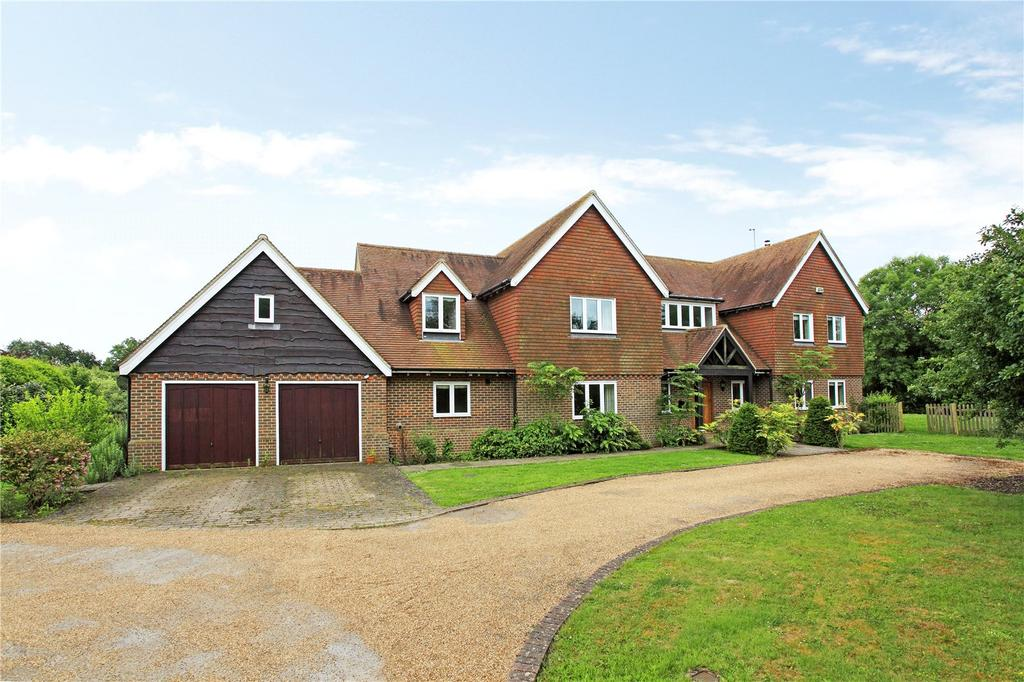 5 Bedrooms Detached House for sale in Tonbridge Road, Bough Beech, Edenbridge, Kent