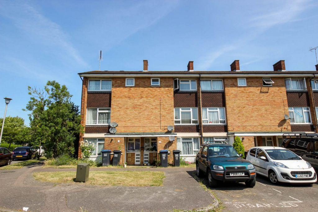 2 Bedrooms Maisonette Flat for sale in Hillfield, Hatfield, AL10