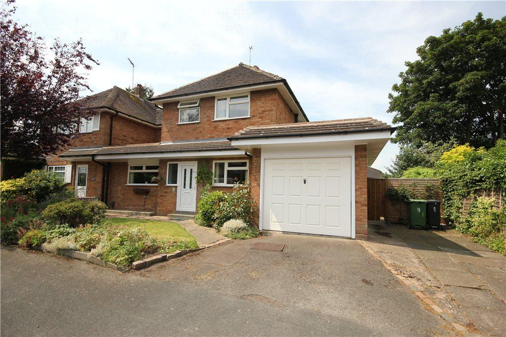 3 Bedrooms Semi Detached House for sale in Margaret Drive, Stourbridge, West Midlands, DY8