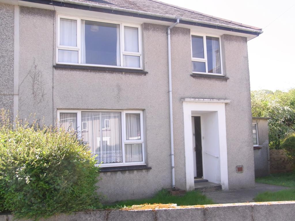 3 Bedrooms Semi Detached House for sale in 10 Pensyflog, Porthmadog LL49