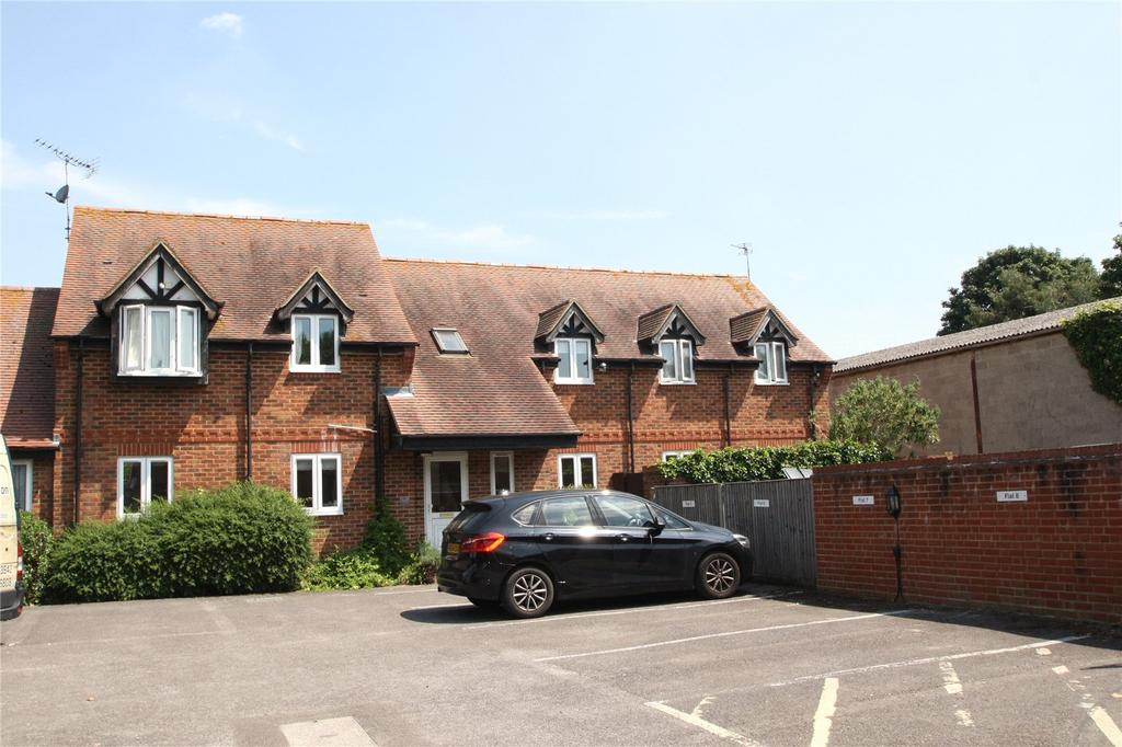 2 Bedrooms Apartment Flat for sale in Park Court, Thame, OX9