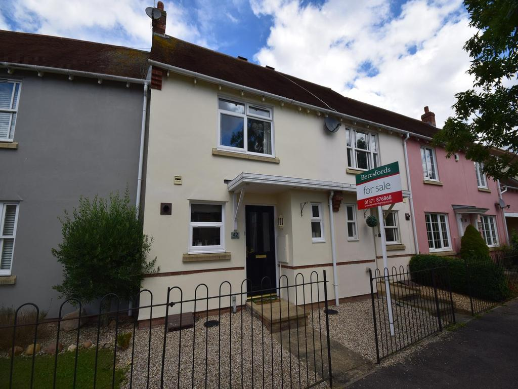 2 Bedrooms Terraced House for sale in Baynard Avenue, Flitch Green, Dunmow, Essex, CM6