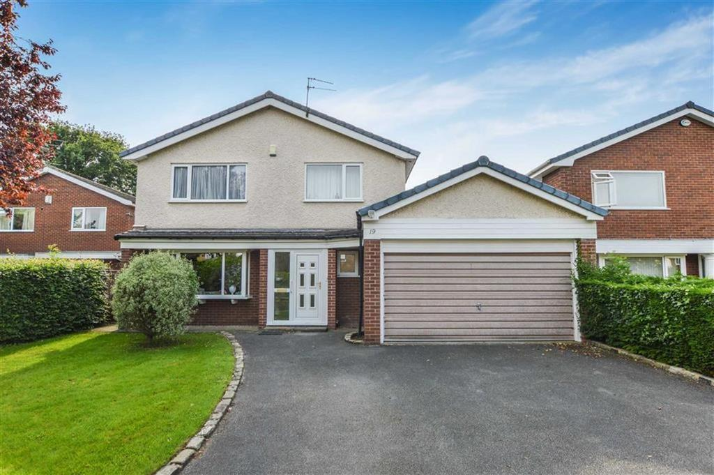 4 Bedrooms Detached House for sale in Oakwood Lane, Altrincham, Cheshire, WA14