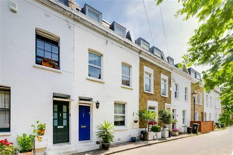 3 bedroom terraced house for sale - Stonells Road, Between the Commons
