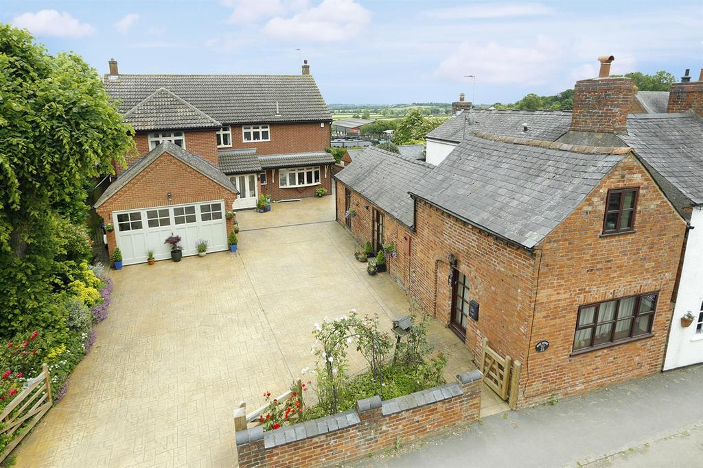 5 Bedrooms Detached House for sale in Honeypot Lane, Husbands Bosworth, Lutterworth