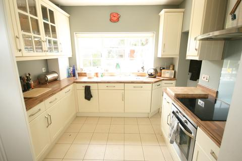 3 bedroom end of terrace house to rent - Ealing W5