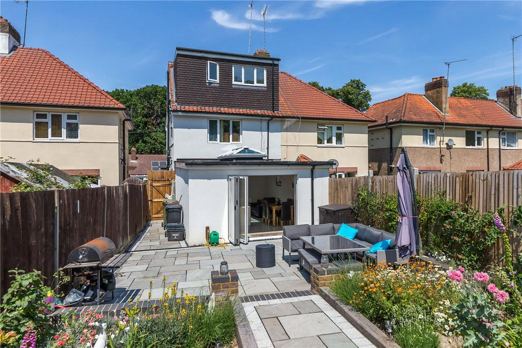 3 Bedrooms Semi Detached House for sale in Hemel Hempstead Road, Redbourn, St. Albans, Hertfordshire