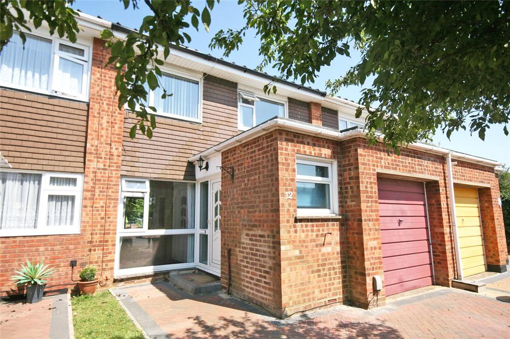 3 Bedrooms Terraced House for sale in Lumbards, Welwyn Garden City, Hertfordshire