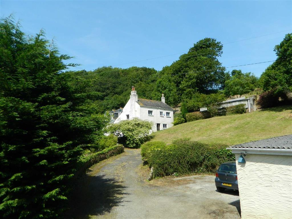 4 Bedrooms Detached House for sale in St. Johns Lane, Torpoint, Cornwall, PL11