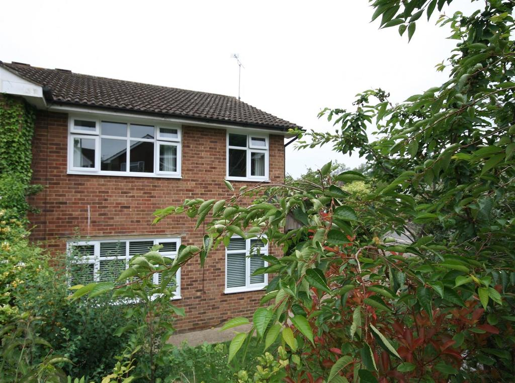 3 Bedrooms Semi Detached House for sale in Lower Faircox, Henfield