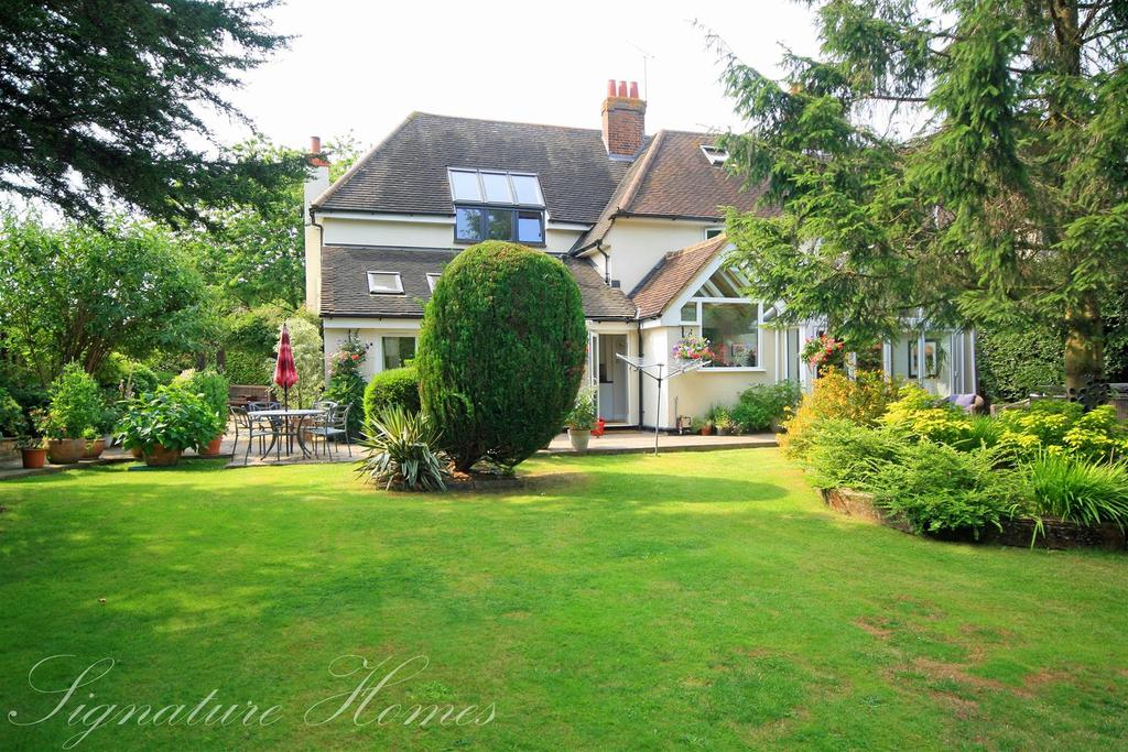 4 Bedrooms Semi Detached House for sale in Crouchfields Lane, Chapmore End