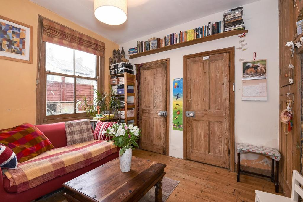 2 Bedrooms Flat for sale in Wooler Street, Walworth, SE17