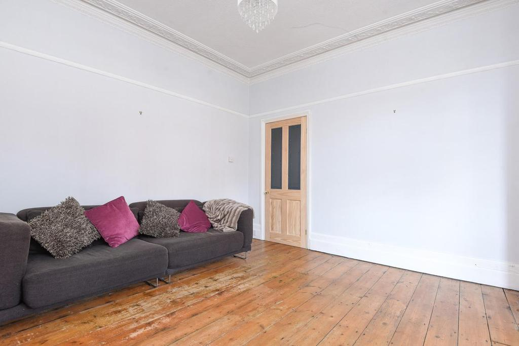 2 Bedrooms Flat for sale in Longley Road, Tooting
