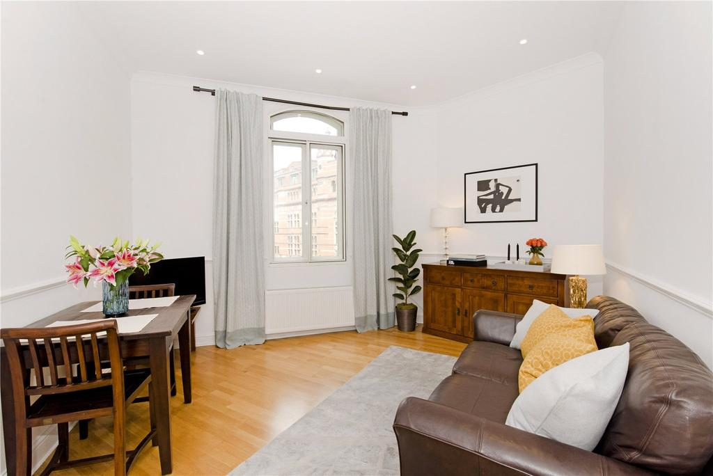 1 Bedroom Flat for sale in Shaftesbury Avenue, Covent Garden, West End, London