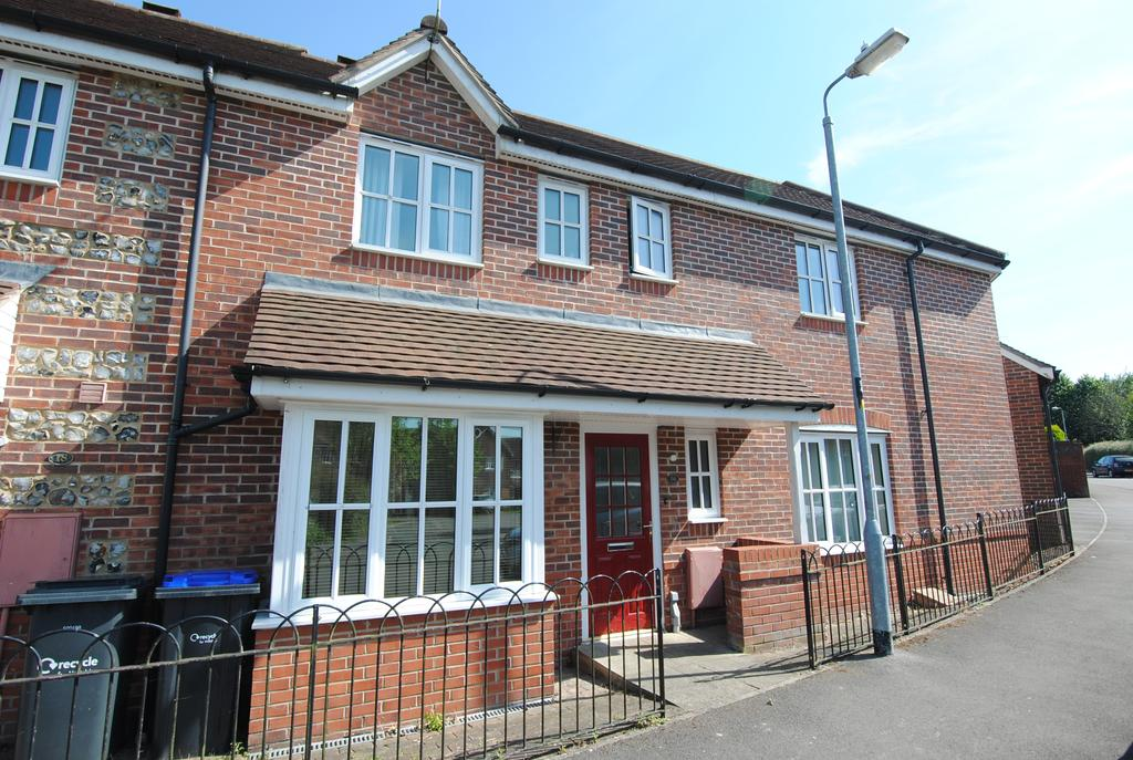 4 Bedrooms End Of Terrace House for sale in Carpenters Drive, Amesbury, Salisbury SP4