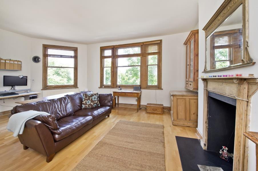 1 Bedroom Flat for sale in Westbourne Park Road, Notting Hill W11