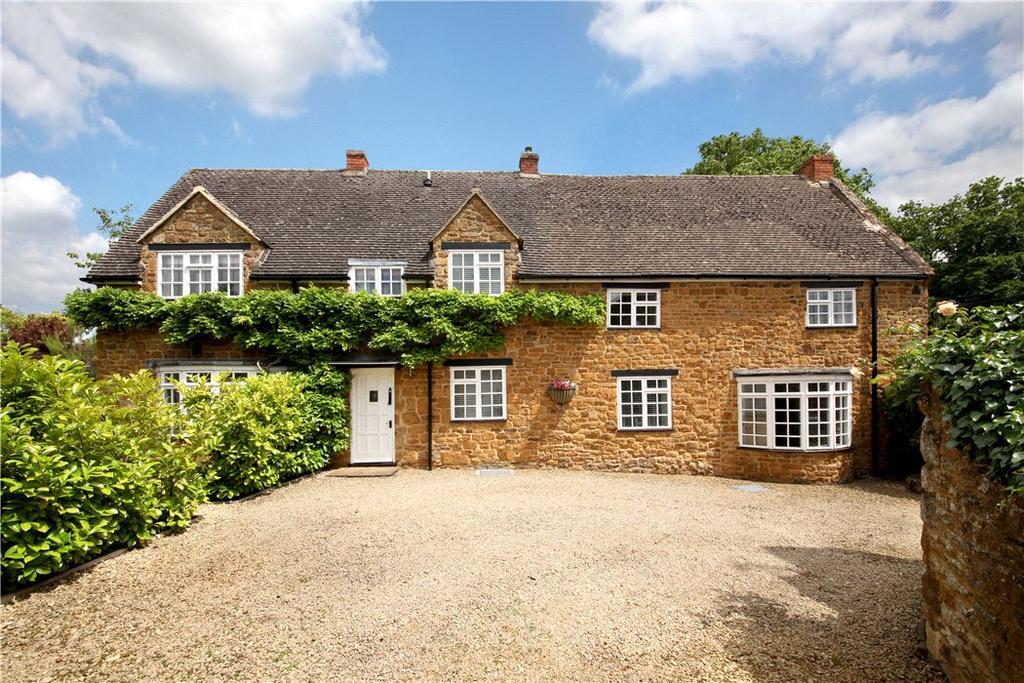 4 Bedrooms Detached House for sale in Castle Street, Deddington, Banbury, Oxfordshire, OX15