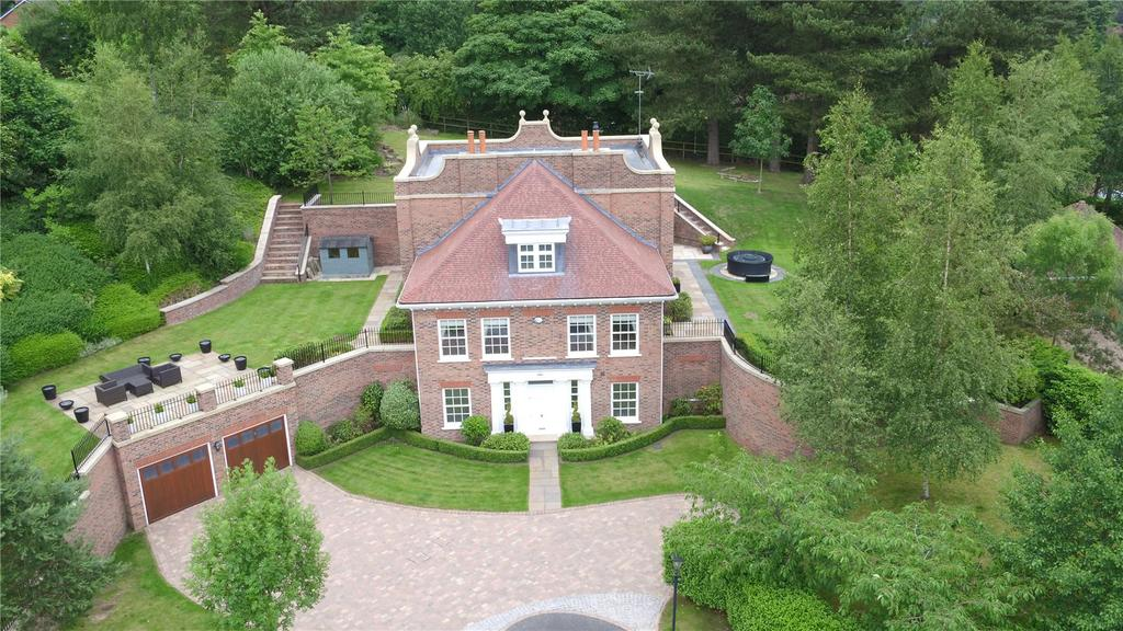 5 Bedrooms Detached House for sale in St. James Hill, Prestbury, Cheshire, SK10