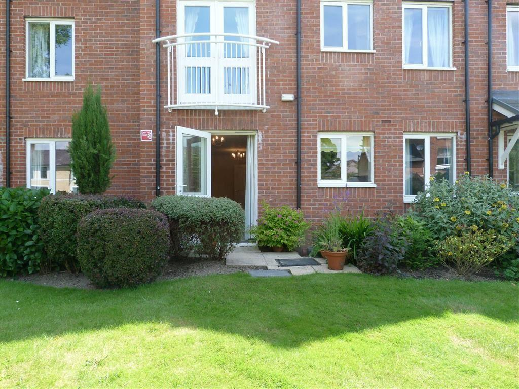 1 Bedroom Apartment Flat for sale in Abraham Court, Oswestry, SY11
