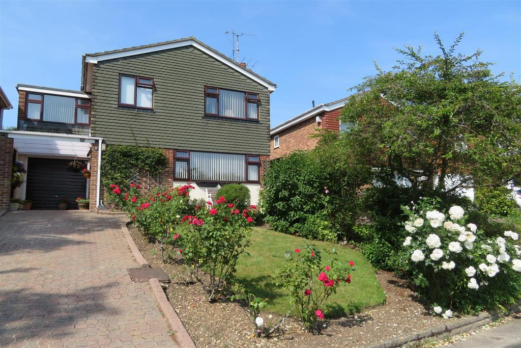 4 Bedrooms Detached House for sale in Mandeville Close, Tilehurst, Reading