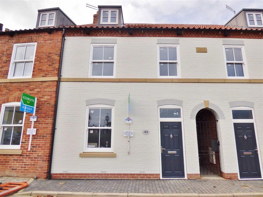 3 Bedrooms Terraced House for sale in Trinity Lane, Beverley