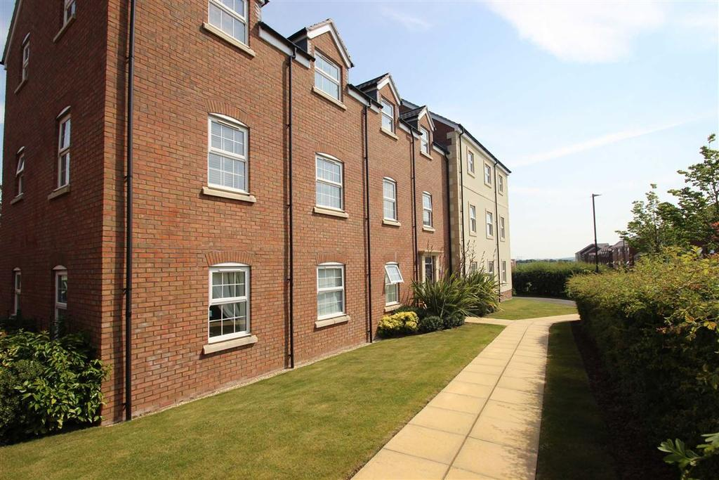 2 Bedrooms Flat for sale in Tremlett Court, Red Norman Rise, Hereford