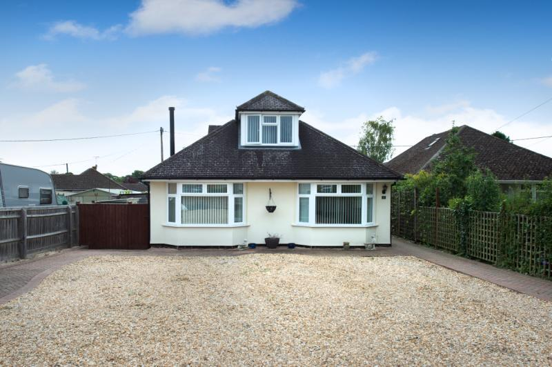 4 Bedrooms Detached House for sale in Sandleigh Road, Wootton, Abingdon