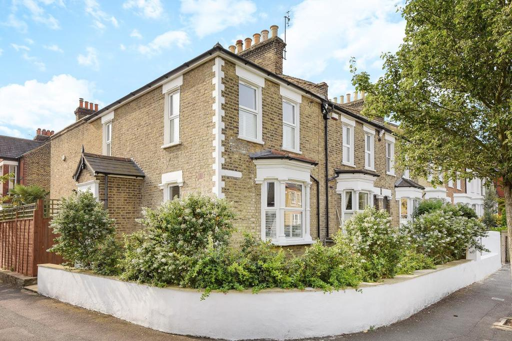 3 Bedrooms Semi Detached House for sale in Hindmans Road, East Dulwich, SE22