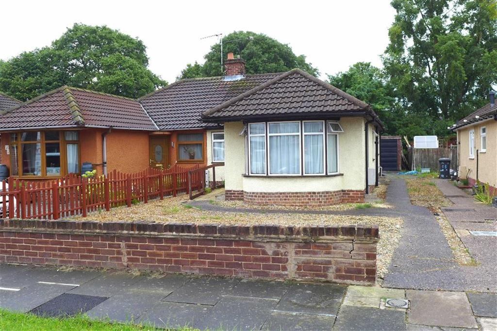 3 Bedrooms Semi Detached Bungalow for sale in Ludlow Avenue, Crewe
