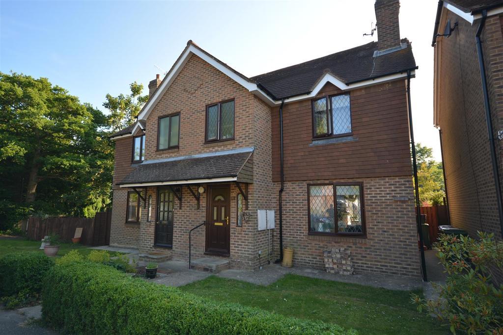 3 Bedrooms Semi Detached House for sale in Gammons Way Sedlescombe, Battle
