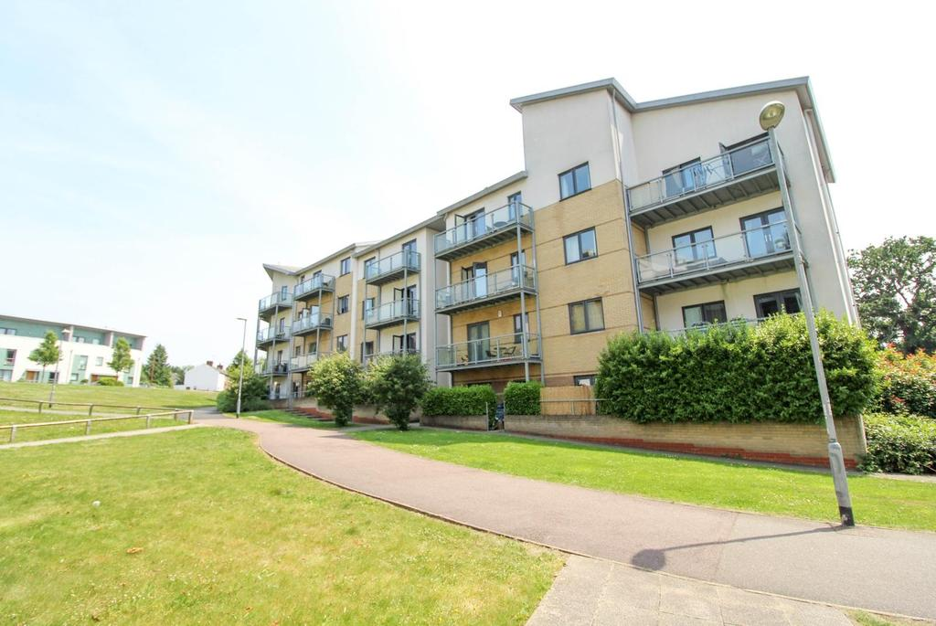 2 Bedrooms Apartment Flat for sale in Radcliffe House, Rollason Way, Brentwood, Essex, CM14