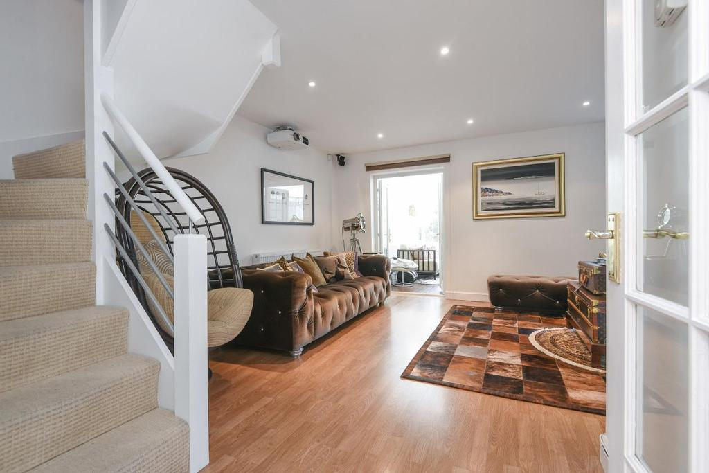 4 Bedrooms Semi Detached House for sale in Fishermans Drive, Surrey Quays, SE16