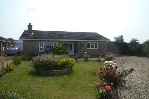 3 Bedrooms Detached Bungalow for sale in Chalk Road, Walpole St. Peter, Wisbech, PE14