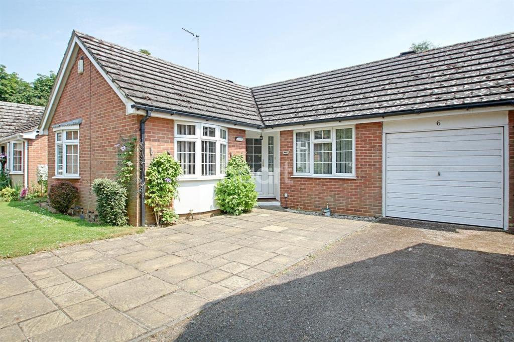 3 Bedrooms Bungalow for sale in Oxburgh Close, Leverington
