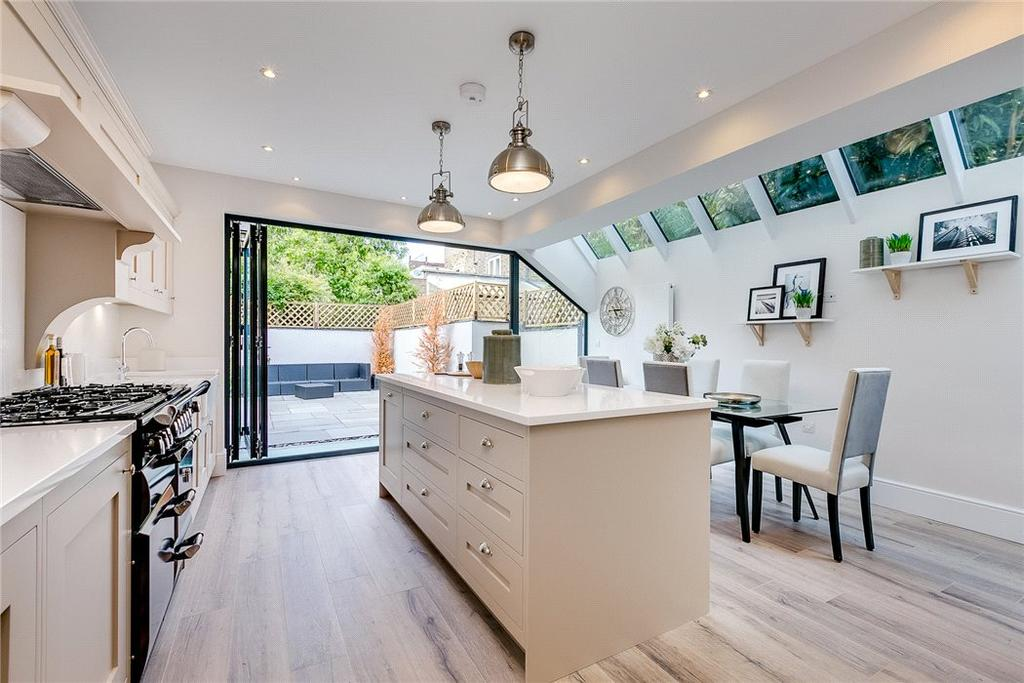 5 Bedrooms Terraced House for sale in Hestercombe Avenue, Fulham, London, SW6