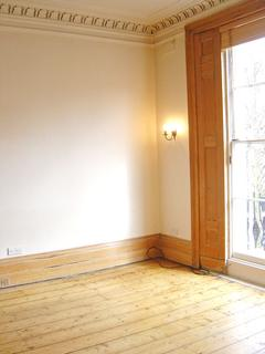 Studio to rent - Pembridge Place, Flat 5, London W2
