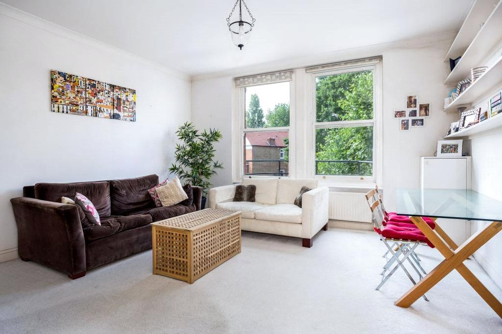 2 Bedrooms Flat for sale in Canfield Gardens, South Hampstead, London, NW6