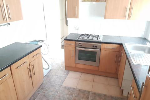 3 bedroom terraced house to rent - Pemdevon Road, Croydon, CR0 3QN