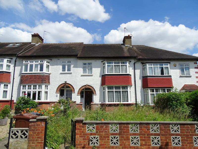 3 Bedrooms House for sale in Lionel Road North, Brentford
